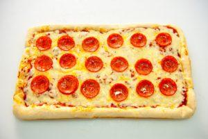 Πίτσα Στενόμακρη Πεπερόνι